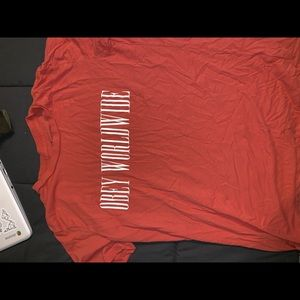 obey worldwide T-shirt !